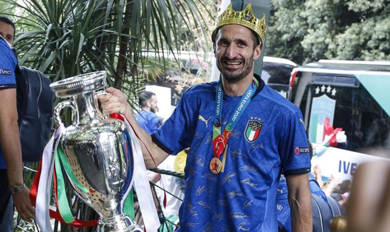 maglia celebrativa italia campione 21